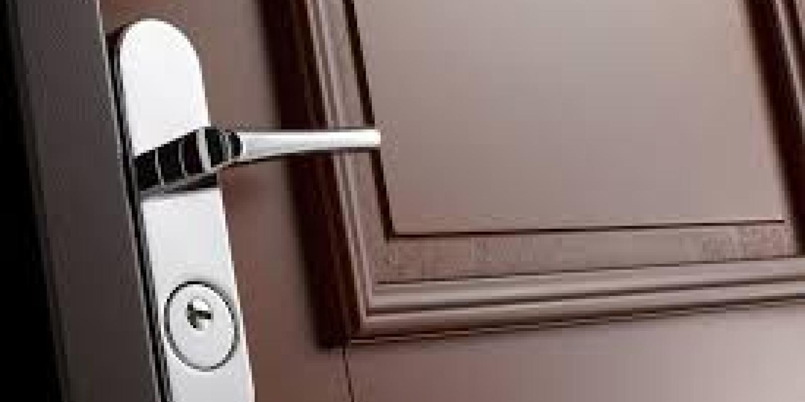astuce pour ouvrir une porte bloqu e le journal de l 39 co. Black Bedroom Furniture Sets. Home Design Ideas