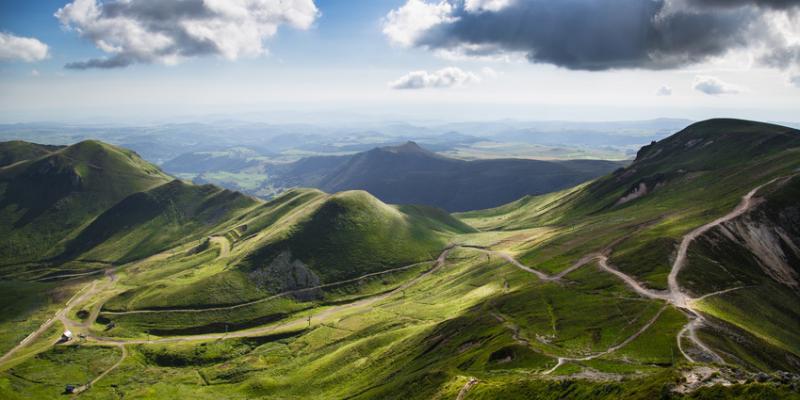 L'Auvergne, terre de génie et de ressourcement – La renaissance du phénix : John Galliano
