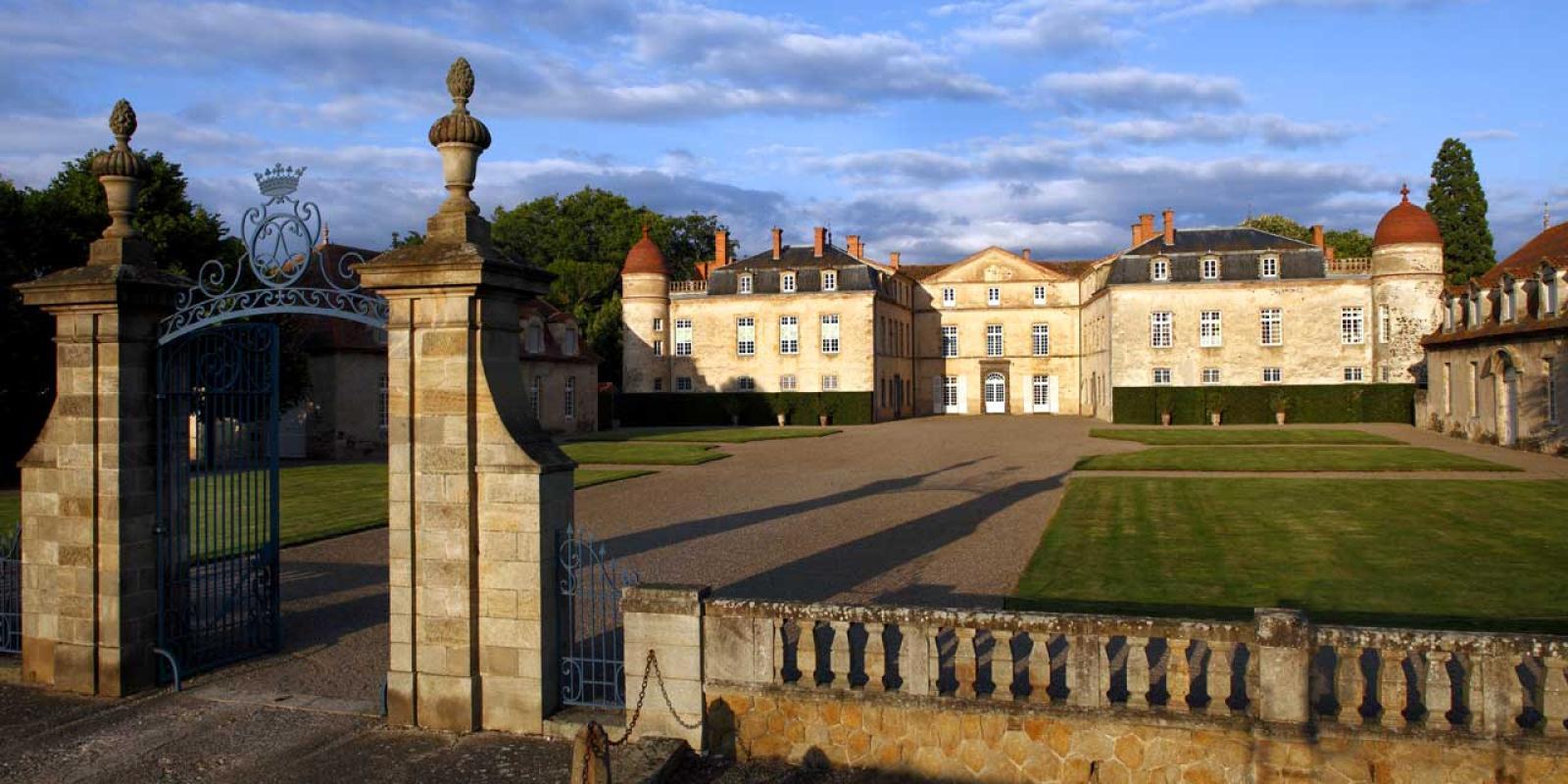 Journées des Châteaux d'Auvergne à Parentignat le weekend du 1er mai