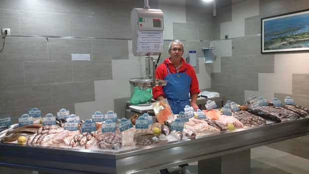 Au Poissonnier Ganvillais, le poisson frais en plein Bourbonnais