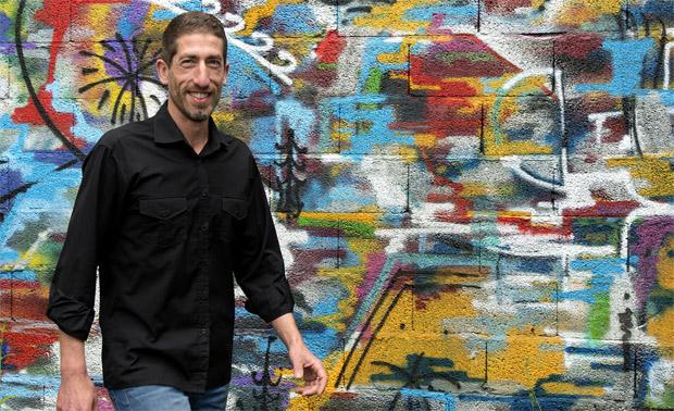 Emmanuel Poulain : «Essayer une œuvre d'art avant de l'adopter, c'est possibleavec adopteunart.fr !»