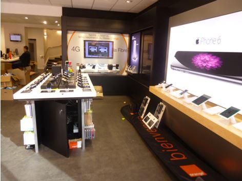 Nouvelle boutique orange place de jaude le service au c ur de la relation client le journal - Boutique orange la rochelle ...