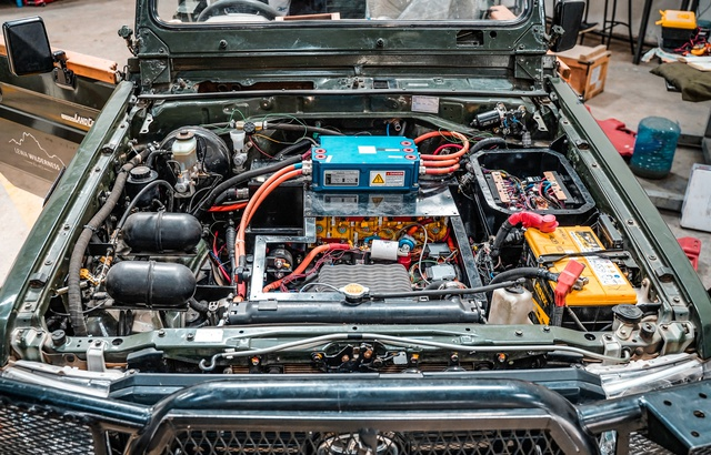 Une start-up grenobloise convertit les voitures  en véhicules électriques