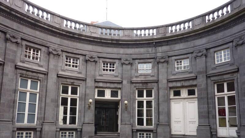Hotel-de-Chazerat-Clermont-Ferrand-Cour-ovale