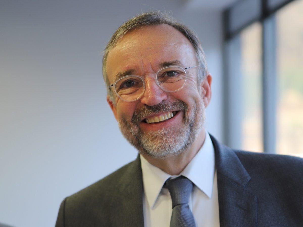 Portrait de candidat aux élections municipales de Lyon :  Etienne Blanc