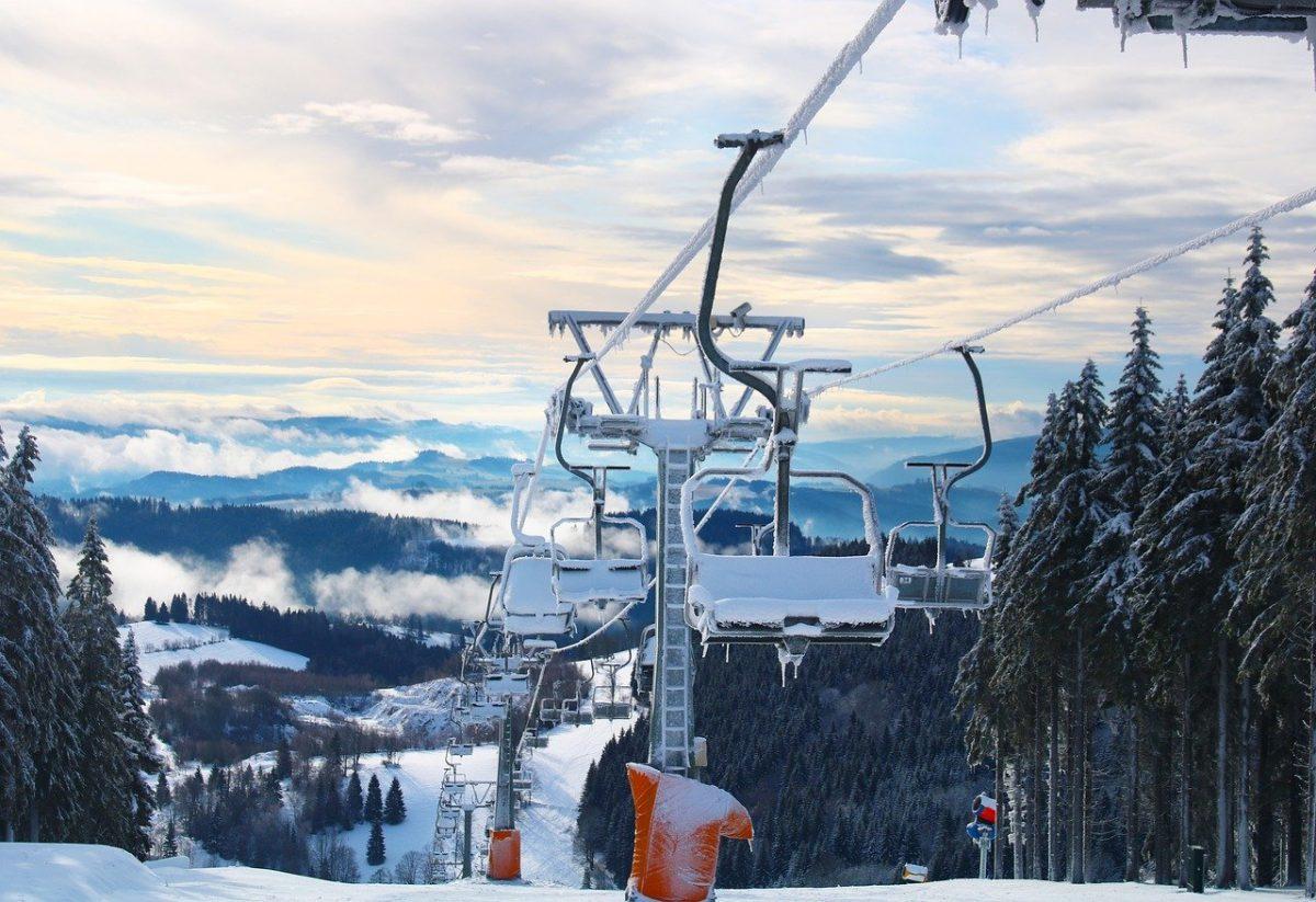 ski-lift-5878775_1280