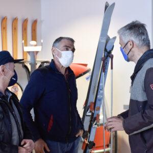 Laurent WAUQUIEZ a entamé vendredi un déplacement dans les territoires de montagne d'Auvergne-Rhône-Alpes, notamment les Alpes et le Sancy.