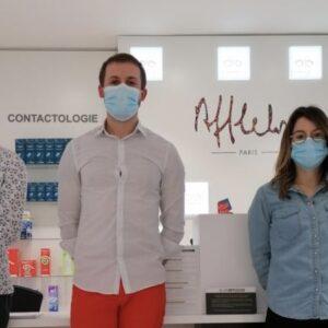 3 personnes qui composent l'équipe du magasin afflelou à Aubière