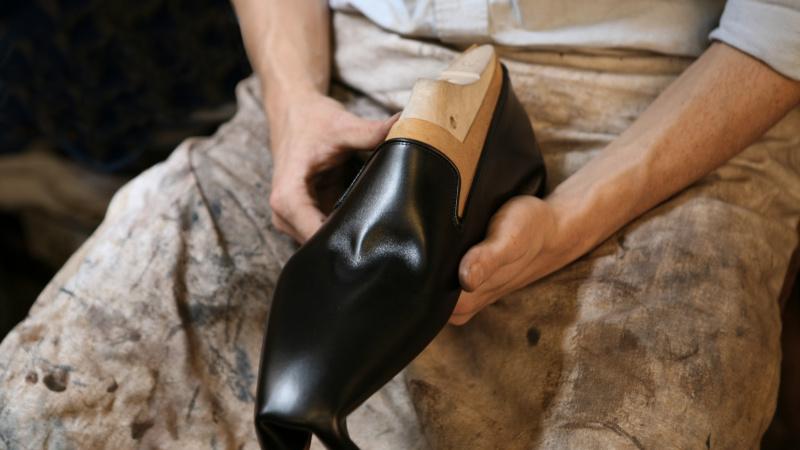 Artisanat   Zoom sur les métiers de bottier et cordonnier