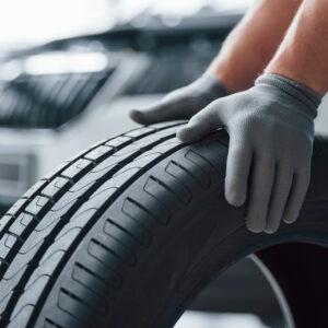 Michelin | Un pneu pour les véhicules dans les ports