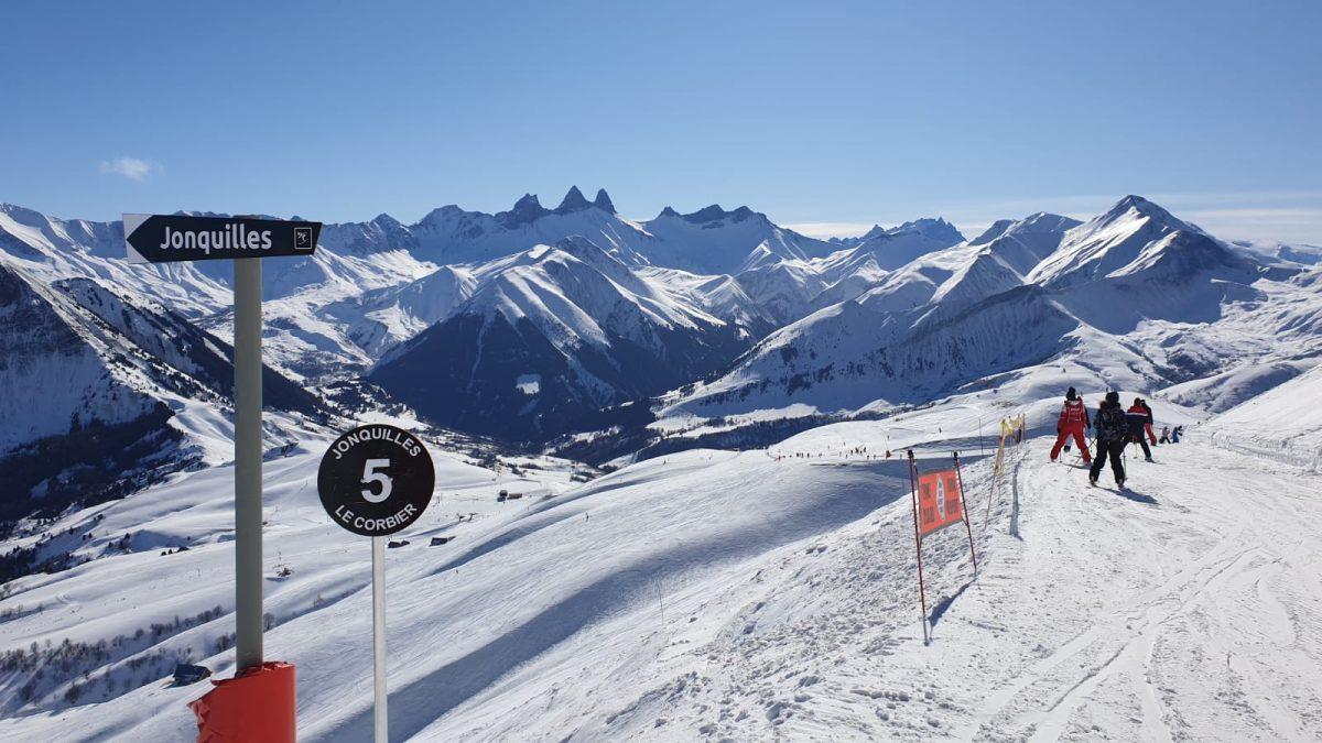 Montagne | Les vacanciers prêts à chausser les skis
